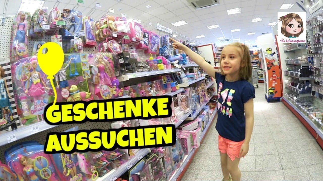 GESCHENKE AUSSUCHEN 🎁 Hannah befüllt ihr Geburtstags-Körbchen bei ...