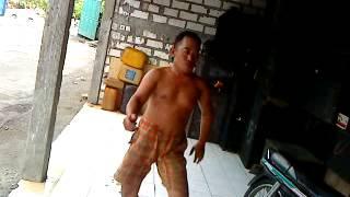 Download Video joget mesum bapak sopir bus MP3 3GP MP4