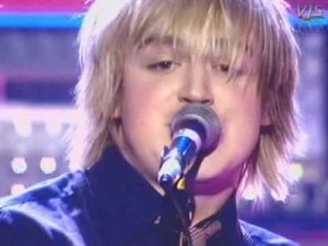 5 colours in her hair - McFly (live)