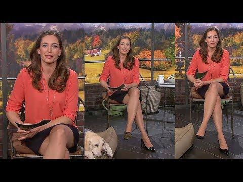 Andrea Lauterbach 25.09.2019 - Miniskirt , Tights and Heels