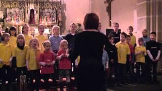 Frohe Weihnacht (Aschenbrödel Version) Kinderchor Iseringhausen Halbhusten 2012
