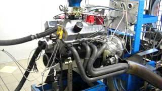 Dyno test 427 SBC 700 hp 600 tq street engine.