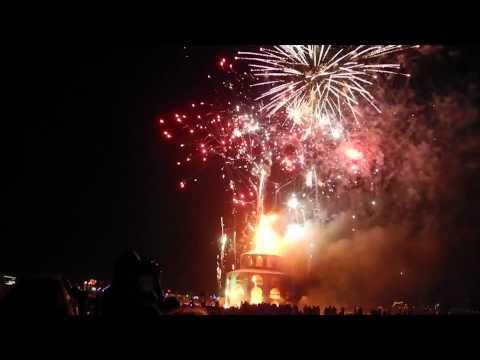 Burning Man 2012: The Man Burns In 1 Minute