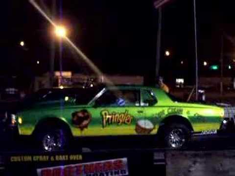 PRINGLES CAR VS CHRYSLER 300 SRT8 HEMI