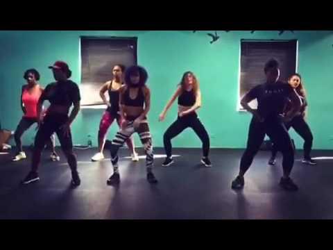 K Adu - Slow Whine | Dancers: @katerina91k @ladynae_s @marimoves | Afro Beats