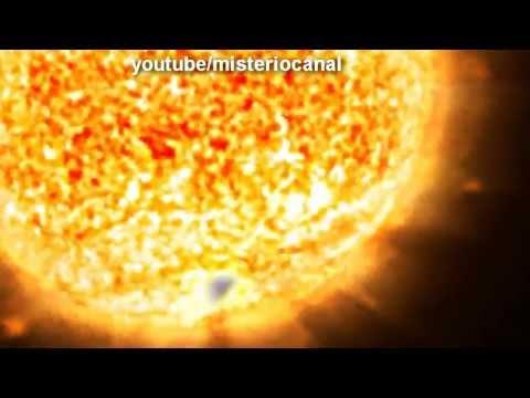 Ovni triangular pasa cerca del sol 2013