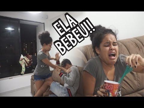 BOTEI UMA CAMISINHA NO REFRIGERANTE DA MINHA NAMORADA E...