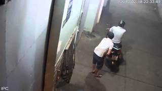 Video | Trộm xe máy bé khoá trong 5s | Trom xe may be khoa trong 5s