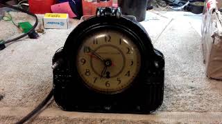 Horloge Électrique à moteur synchrone New-Haven clock co. USA