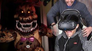 ASUSTÉ A MI PRIMO MIENTRAS JUGABA EN REALIDAD VIRTUAL !! - Five Nights At Freddy's