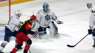 Krasotkin stops it easily with his glove