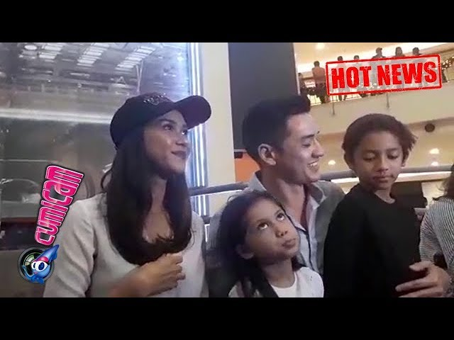 Hot News! Lucunya Ekspresi Putra Putri Nana Mirdad Saat Diwawancara - Cumicam 17 Desember 2017