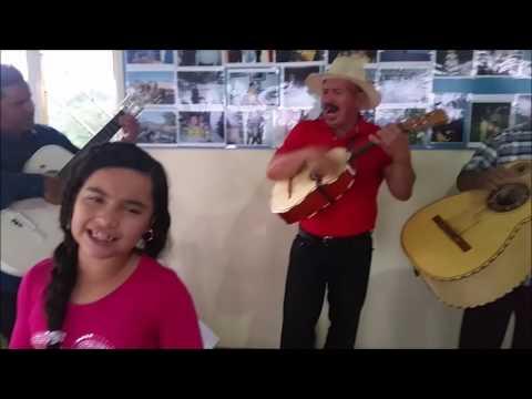 Maria Jose - niña cantante