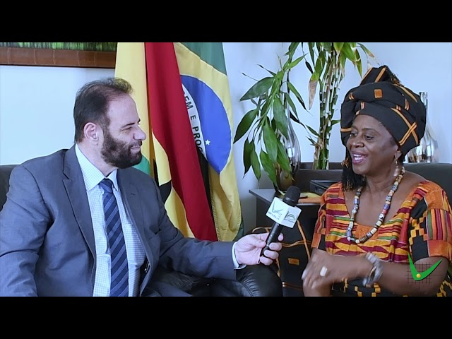 Entrevista com a Embaixadora de Gana Abena Busia | Jornalista Paulo Fayad