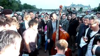 "Jamie Cullum ""Get Your Way / I Get A Kick Out Of You"" unplugged @ On the Seine (Paris)"
