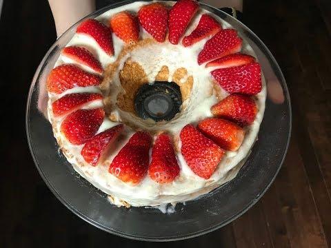 angel-cake-white-chocolate-strawberry-|-gateau-des-anges-chocolat-blanc-et-fraises