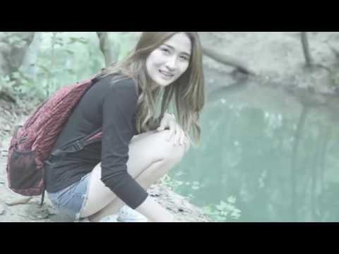 ILLSLICK - จริงครึ่งนึง [Official Music Video]