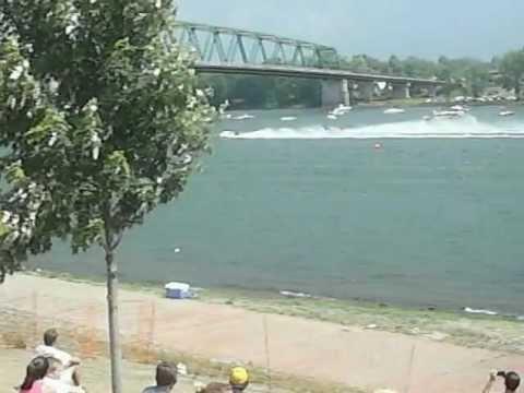 Marietta River Roar 2012 Formula 2 Boat race lap 3