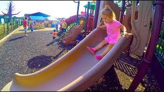 Little Girl Playground Playing*Play Area for Kids ,Giant Slides*Jugando en el Area de Juego*