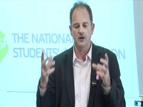 David Shearer answers questions from the audience