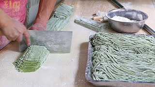 Xian Street Food - Making Chinese Spinach Noodles thumbnail