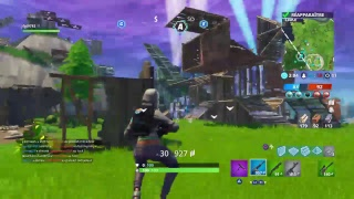 THE NEW ARME IS CHEATE ON FORTNITE BATTLE ROYALE? Gameplay en