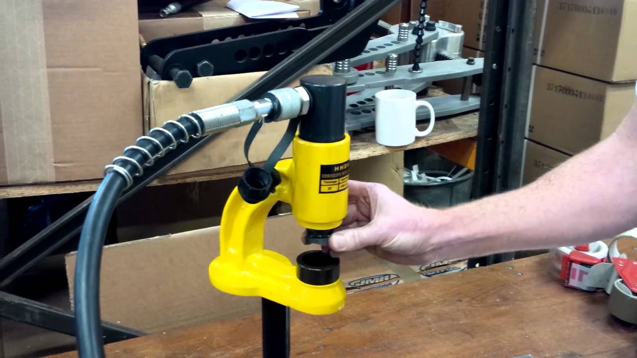 Electric Hydraulic Pump >> Hydraulic Hole Punch from Stakesys Metalwork Machinery - YouTube