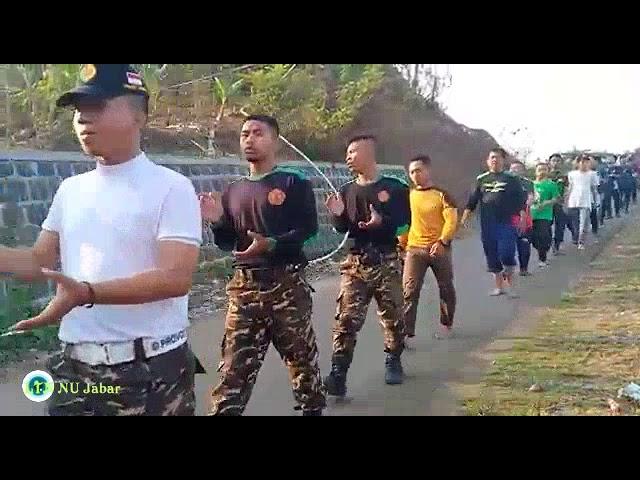 Jalan Kaki dan yel-yel penyemangat Banser   Peserta Kursus Banser Lanjutan Angkatan Pertama Subang
