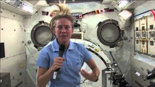 Astronaut Discusses Spaceflight and Family with Media