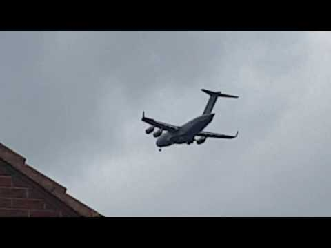 C17 Globe master landing at Newcastle Airport