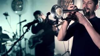 Fanfarlo 'Bones' [Live Session]