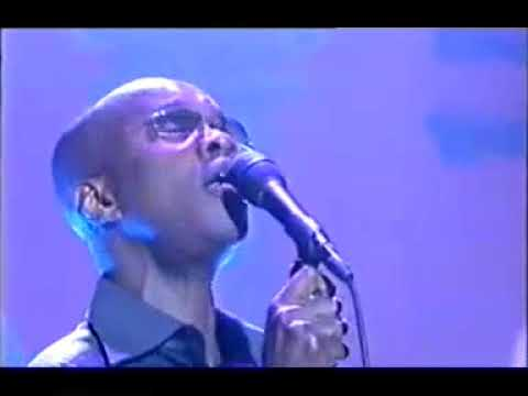 BERNARD BUTLER AND DAVID MACALMONT LIVE FALLING MCALMONT TV 1