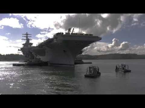 USS Nimitz (CVN 68) moves into dry dock at PSNS & IMF