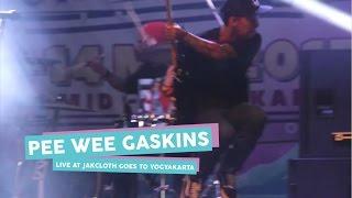 Download lagu [HD] Pee Wee Gaskins - Dari Mata Sang Garuda (Live at JakCloth Goes to Yogyakarta, Mei 2017)