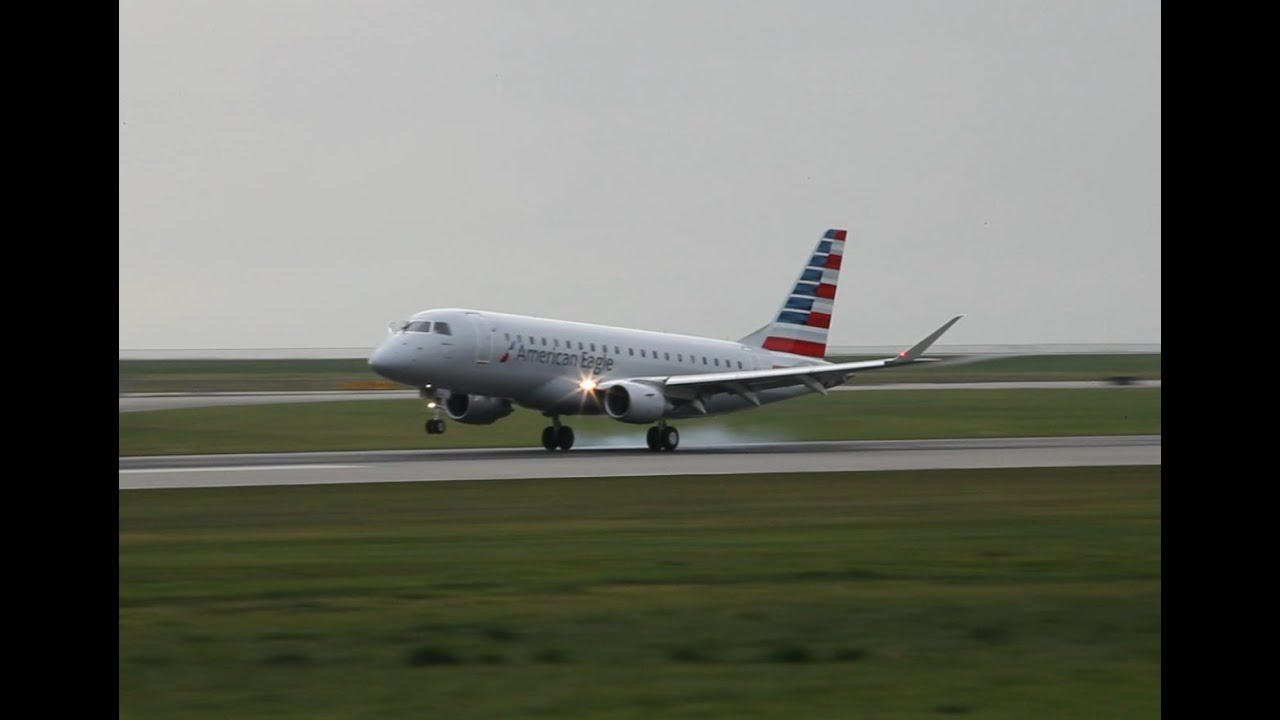 Quick Clip American Eagle Embraer E175 Landing At Yvr