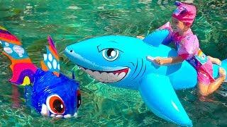 Milusik Lanusik plays with Shark Toys For Kids