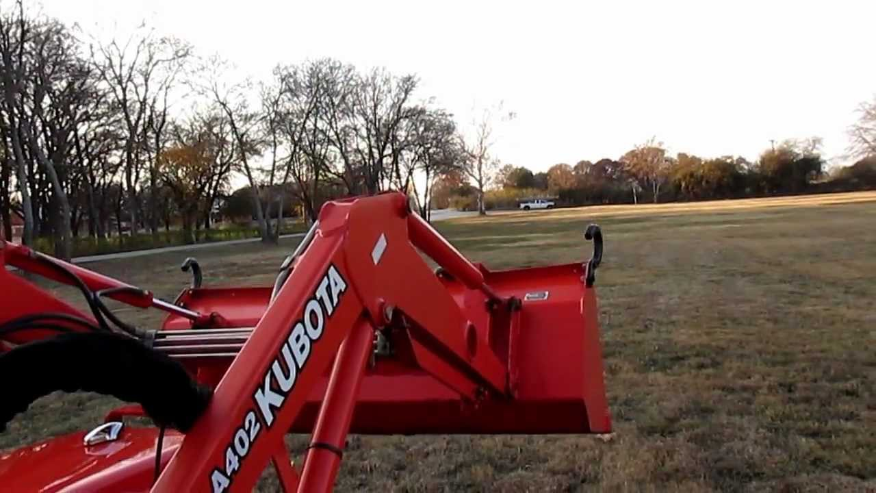 Kubota B2910, Curtis cab, heater, LA402 loader, only 118 hours, for sale in  Texas