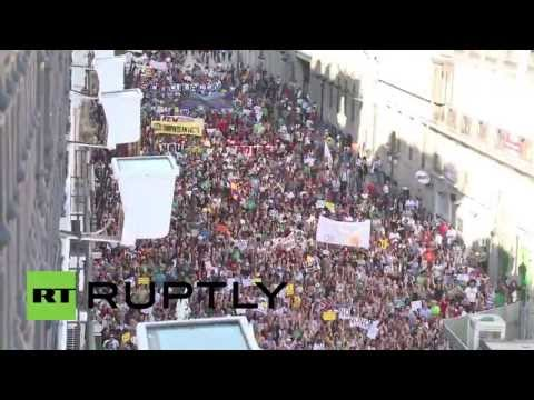 Spain: Silent scream of thousands voices anti-austerity indignation