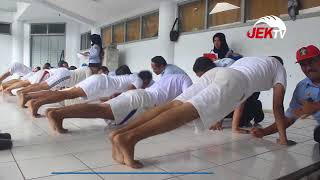 Download Video 1 042 LULUSAN SMA IKUTI TES KESAMAPTAAN CPNS KEMENKUMHAM MP3 3GP MP4