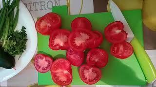 Салат овощной с сыром адыгейский.