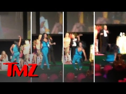 Housewives' Kenya Moore's Runway Fail | TMZ