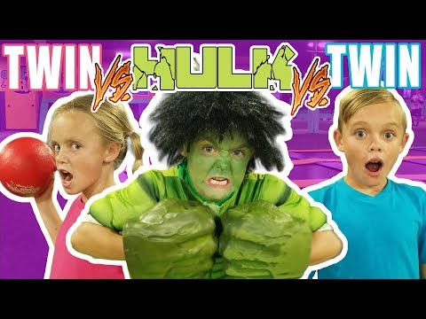 Twin VS Twin VS Hulk in Ninja Course Challenge!
