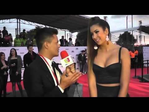 Premios mi Gente 2014 Entrevista Nanis Ochoa - YouTube
