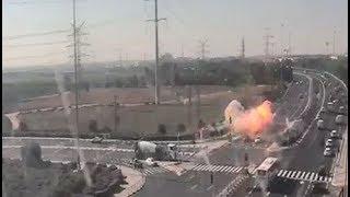 Попадение ракеты в автомобильную трассу в Израиле попало на камеру
