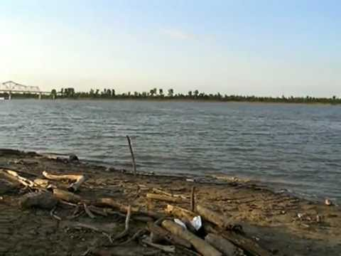 Cairo, Illinois:  Confluence of the Ohio and Mississippi Rivers:  At the Shore