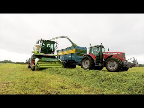Garvey Agri Services tackling silage in Clare (2017)