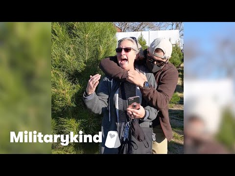 Navy diver wraps mom in surprise hug | Militarykind