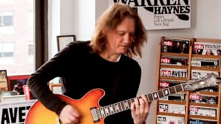 "Robben Ford ""12 Bar Blues Improvisation"""