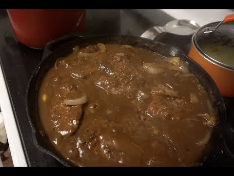 COUNTRY STYLE CUBE STEAK AND GRAVY WITH ONIONS RECIPE