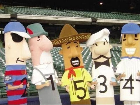 For 15th year, Klement's Racing Sausages hold relay to Miller Park